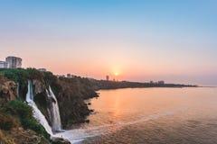 在日出的瀑布在安塔利亚,土耳其 库存图片