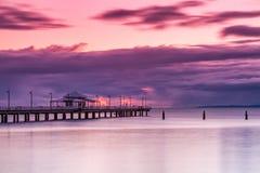 在日出的码头在澳大利亚 库存图片