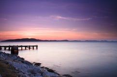在日出的码头,东泰国 库存图片