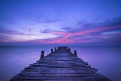 在日出的码头 库存照片