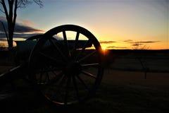 在日出的葛底斯堡大炮 图库摄影