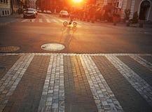 在日出的街道 免版税库存照片