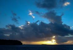 在日出的颜色,多巴哥岩礁 库存照片
