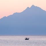 在日出的Athos山 免版税库存图片