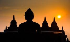在日出的Borobudur寺庙, Java,印度尼西亚 图库摄影