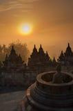 在日出的Borobudur寺庙, Java,印度尼西亚 免版税库存照片