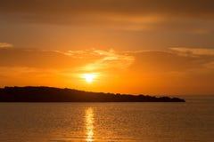 在日出的Cala de Sal rossa在伊维萨岛 免版税库存照片