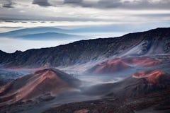 在日出的Haleakala crator 库存照片