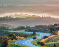 在日出的托斯卡纳风景 免版税库存图片