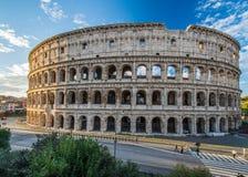 在日出,罗马,意大利的罗马斗兽场 免版税库存图片