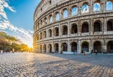在日出,罗马,意大利的罗马斗兽场 图库摄影