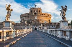在日出,罗马,意大利的Castel SantAngelo 库存照片