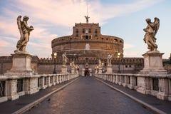 在日出,罗马,意大利的Castel SantAngelo 库存图片