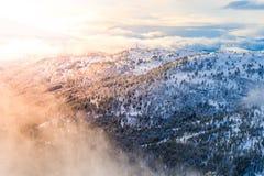 在日出, stryn挪威的风景 图库摄影