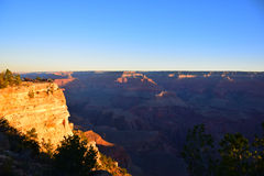 在日出以后的大峡谷 免版税库存照片