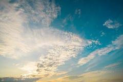 在日出以后的美好的云彩形成 库存照片