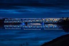在日出2的有启发性铁路桥 免版税图库摄影
