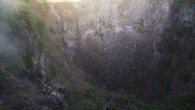 在日出Batur巴厘岛印度尼西亚的火山火山口 影视素材