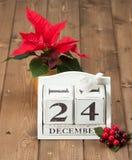 在日历的圣诞前夕日期 12月24日 库存图片