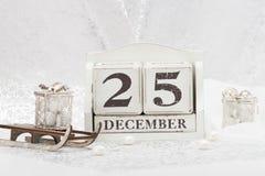 在日历的圣诞节日期 12月25日 库存照片