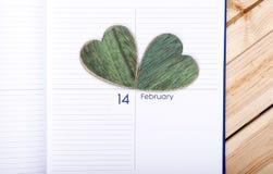 在日历的心脏 2月14日 免版税库存照片