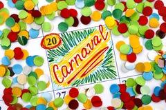 在日历的提示Carnaval与五彩纸屑 免版税库存图片