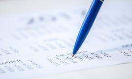 在日历的笔标记 免版税图库摄影
