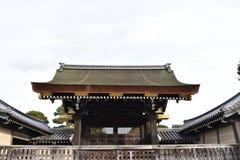 在日本城堡门前面 库存图片