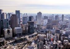 在日本的旅行 日本的建筑学 城市的看法从摩天大楼的屋顶的 免版税库存照片
