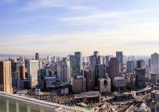在日本的旅行 日本的建筑学 城市的看法从摩天大楼的屋顶的 库存图片