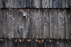 在日本行格住宅一边的木纹理 库存照片