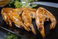 在日本餐馆的烤虾 库存图片