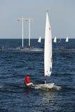 在日照市举行的激光辐形世界航行冠军,山东,中国2013年10月1日 库存照片