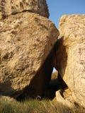 在日落下的石头在布里坦尼 库存照片