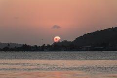 在日落前的美好的光 免版税库存图片