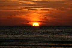 在日落夺取的帆船在弗利兰岛 免版税图库摄影