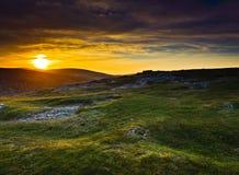 在日落威克洛的爱尔兰山 免版税图库摄影