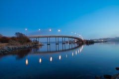 在日落挪威,斯塔万格的桥梁 图库摄影