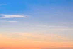 在日落时间的天空云彩 库存图片