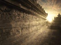 在日落时间的婆罗浮屠寺庙 免版税库存照片