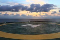 石油钻井船具直升机坪  免版税库存图片
