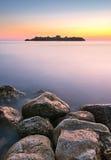 在日落时间,黑山的艺术性的海风景 库存图片