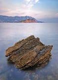 在日落时间,黑山的艺术性的海风景 免版税库存图片