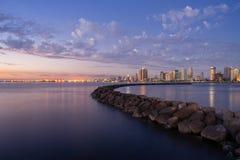 在日落期间的马尼拉海湾视图 库存图片