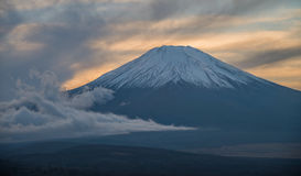在日落期间的富士山 免版税库存照片