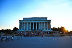 在日落期间的林肯纪念碑 免版税库存图片