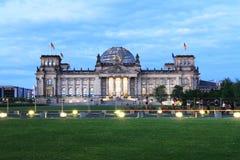 在日落期间的柏林地平线 免版税库存照片