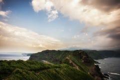 在日落期间的海岸线 库存照片