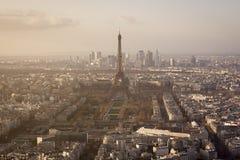 在日落期间的艾菲尔铁塔 免版税库存图片