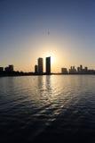 在日落期间的巴林地平线 库存照片